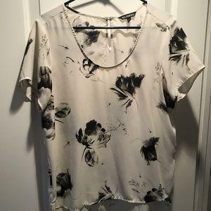 Patterned Short sleeved top